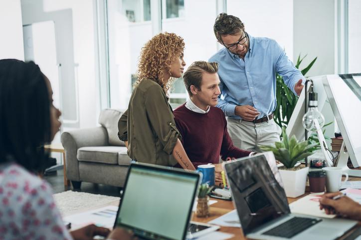 Start an internet business Service making Money Fast