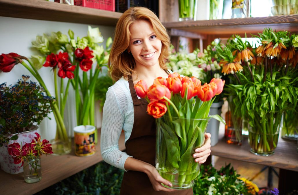 A GUIDE FOR CHOOSING YOUR OWN FLORAL BUSINESS