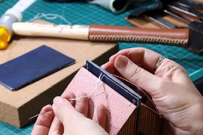 Leather Workshop Singapore Makes Learning Leather Craft So Easy